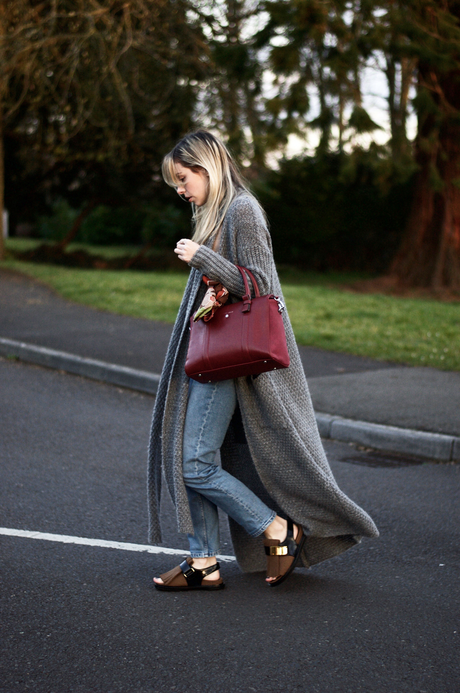 Simplicity & Casual Style Comforts