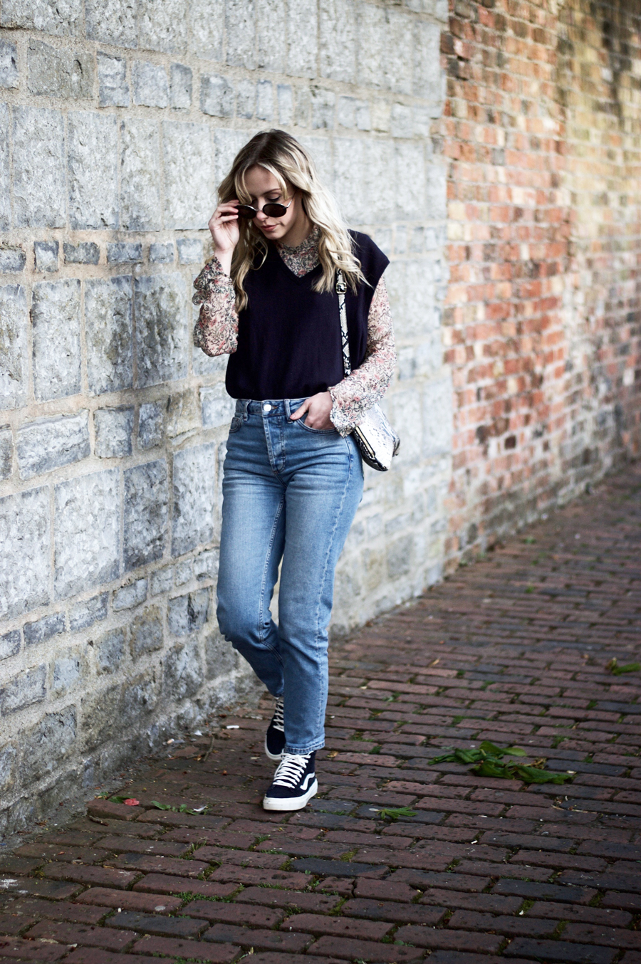 Navy Pullover & Favourite Jeans Friday